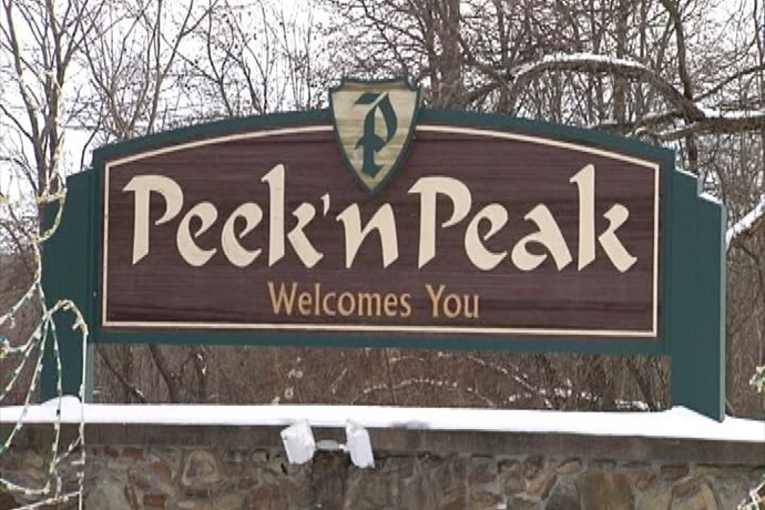 Peek n' Peak sign_5948032763631190836