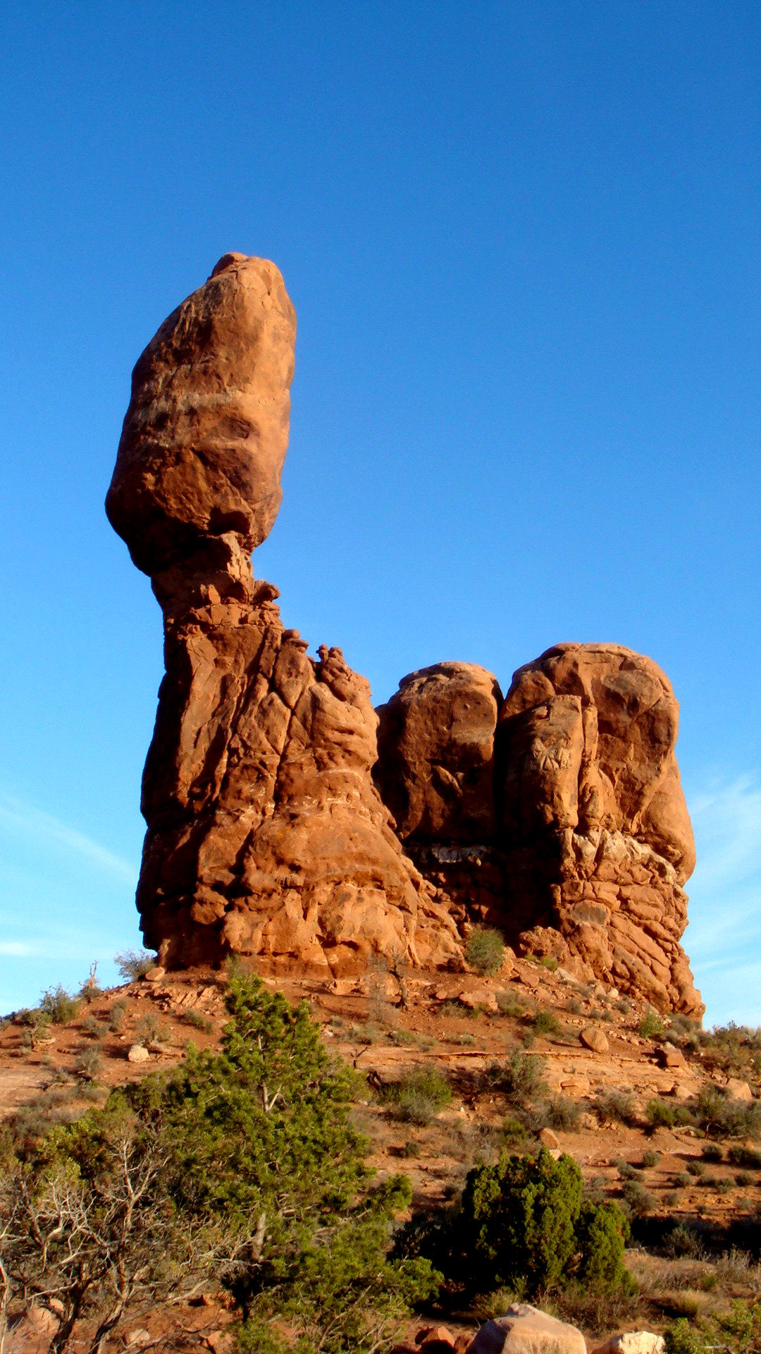 balanced rock arches national park your hike guide