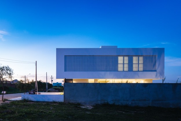 Sorocaba House designed by ESTUDIO BRA 19
