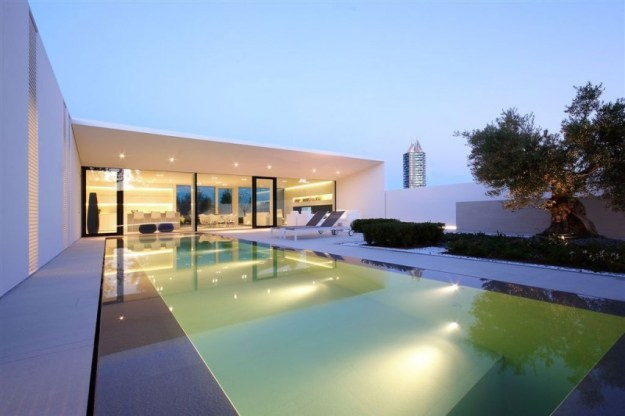 Jesolo Lido Pool Villa designed by JM Architecture 2