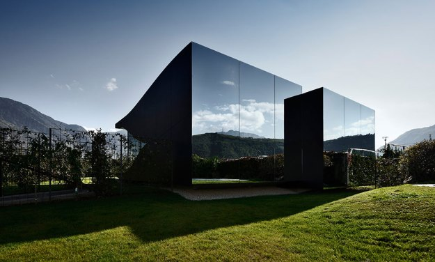 Mirror Houses designed by Peter Pichler Architecture 1