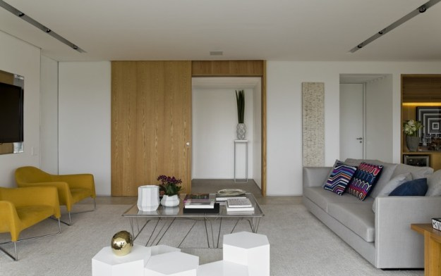 Panamby Apartment designed by Diego Revollo 7
