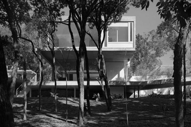 M.M. House designed by Andrade Morettin Arquitetos Associados 11
