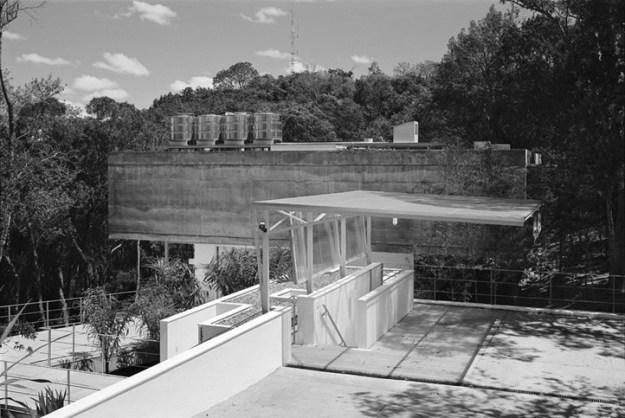 M.M. House designed by Andrade Morettin Arquitetos Associados 9