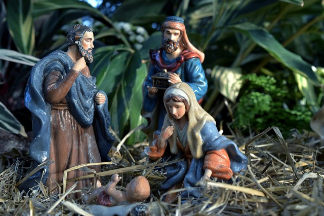 nativity scene creche