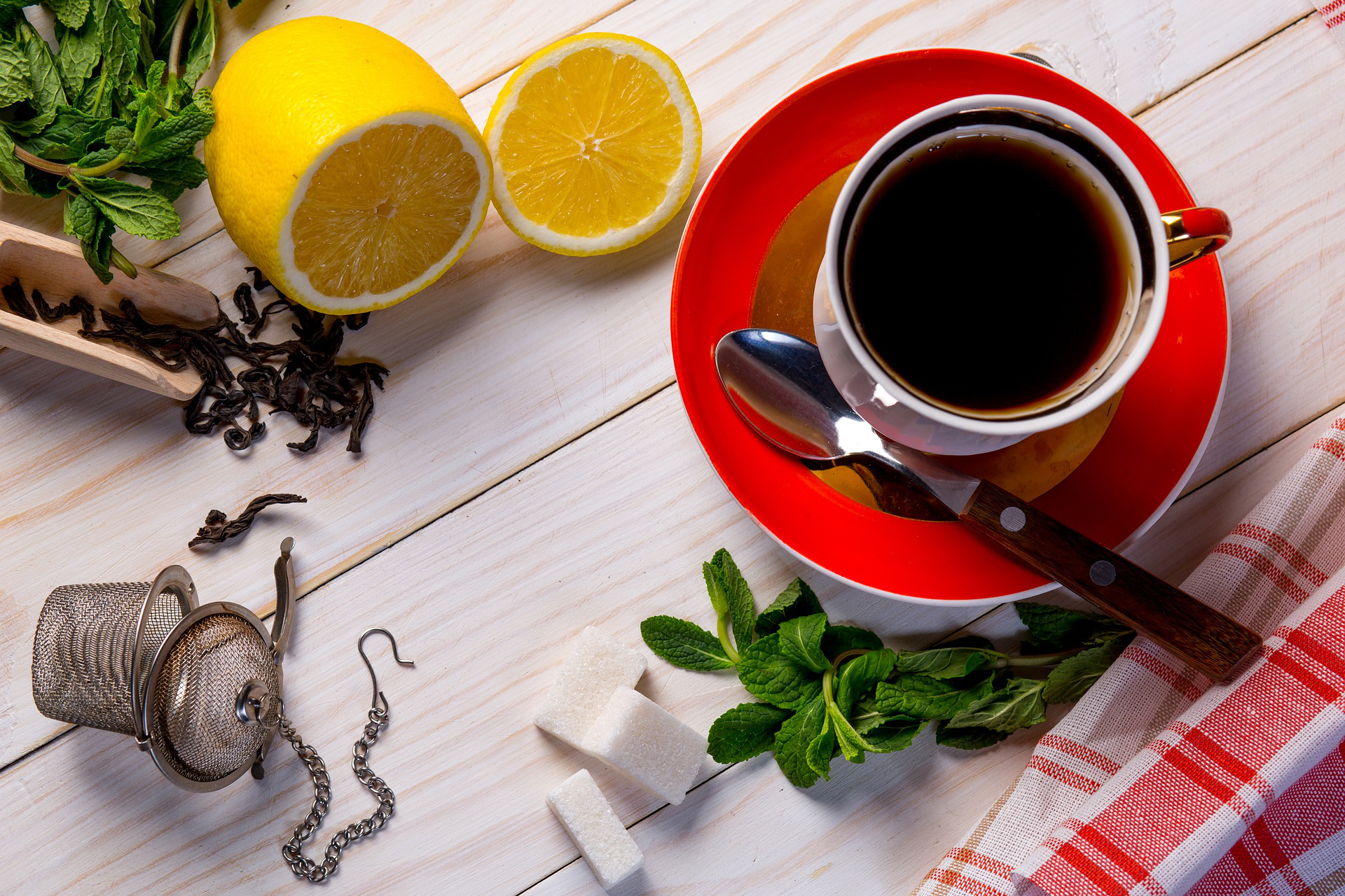 5 Easy Home Remedies for Coughs and Colds