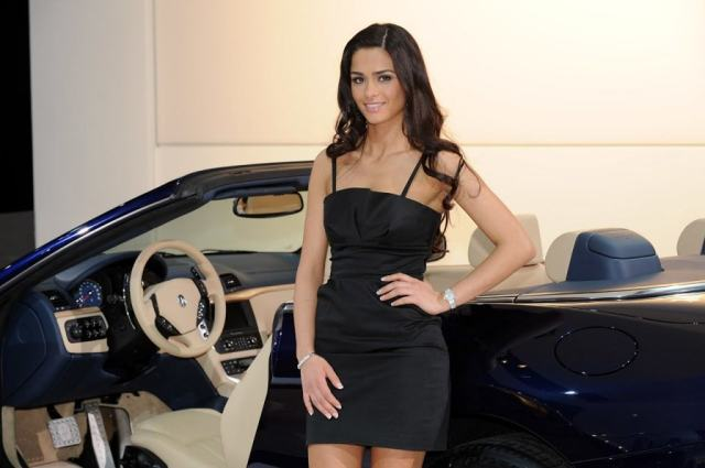 detroit-show-car-girls