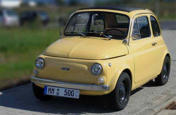 2005-09-17_Fiat_500_R_(retuschiert)
