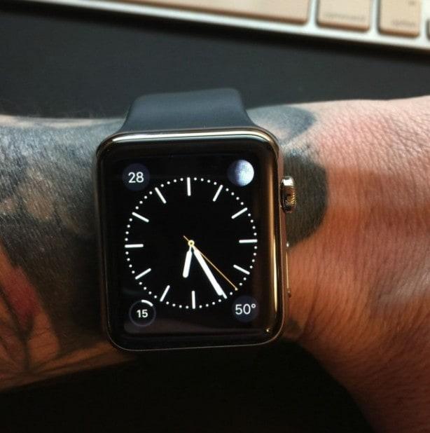 Apple-Watch-tattoo-640x644-614x618