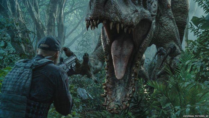 """Usano i LEGO per realizzare """"Jurassic World"""""""