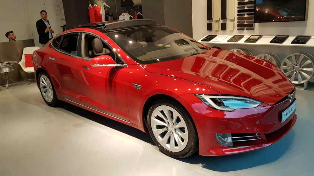 Tesla Model S_Esterni (3)