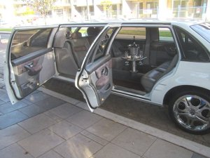 6 seater limo (2)