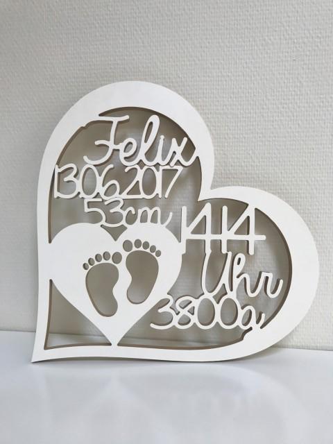 Geschenk zur Geburt  Herz mit Namen Datum Uhrzeit