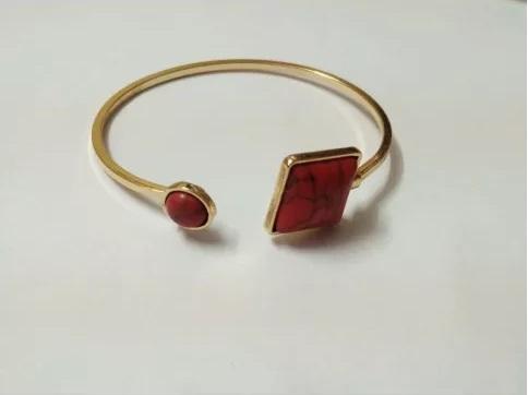 workplace-jewelry-trends