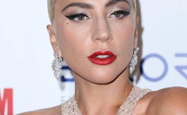 Lady Gaga Ruins It With Blue Grandma Hair In Strapless