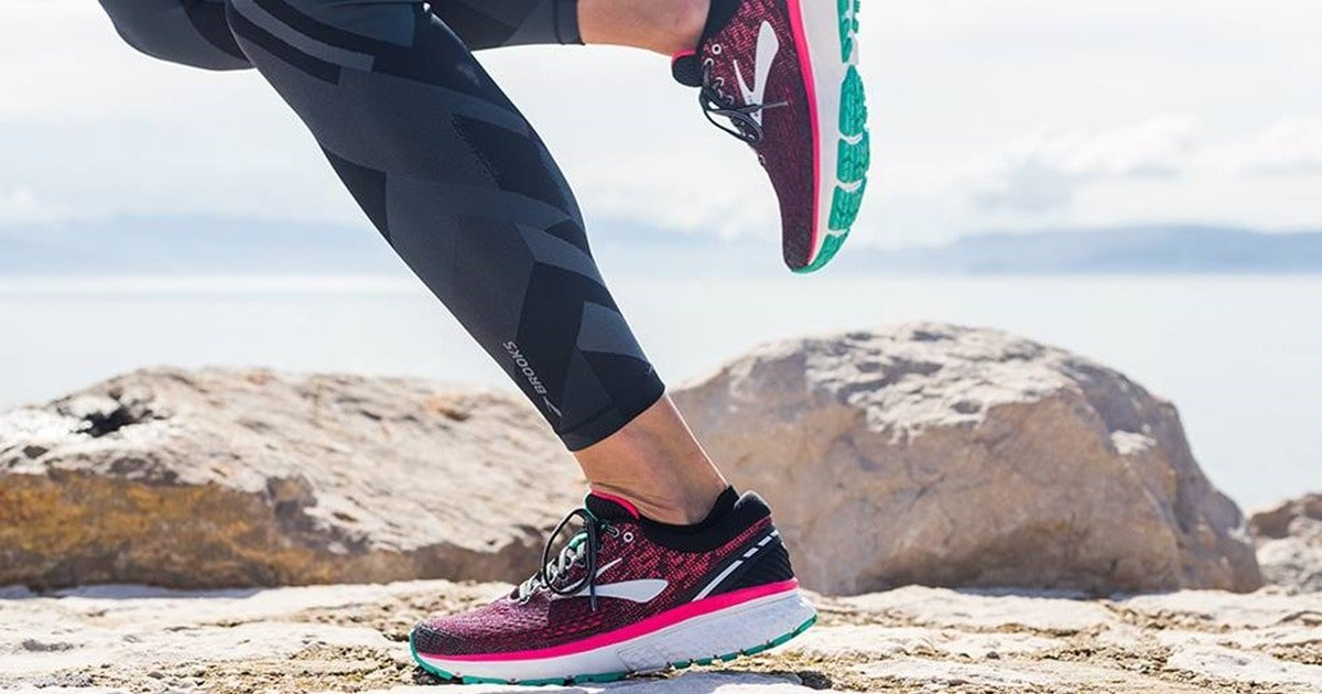 Best Shoes for High Arches With Extra Support and Cushioning