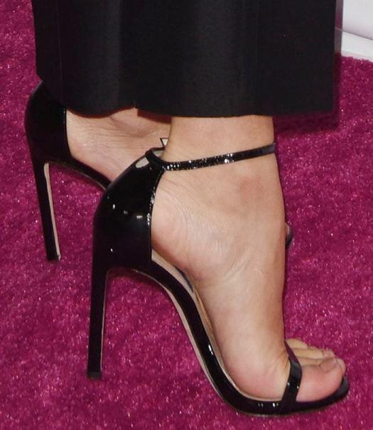 Julianne Hough shows off her feet in Stuart Weitzman Nudist sandals