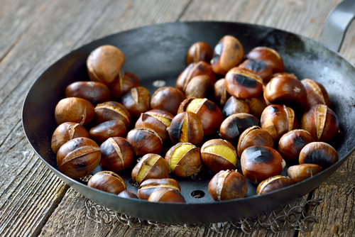 Roasted Chestnuts. How to easily cook them.