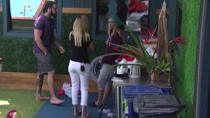 Austin, Vanessa and Liz in the backyard #BB17