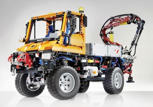 Mercedes Benz Truck Lego 2