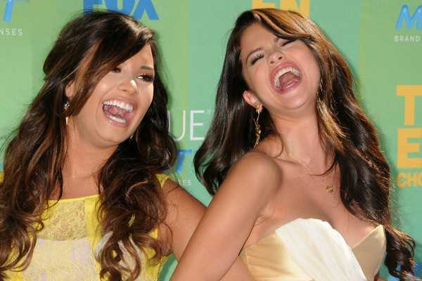 Childhood Friends Demi Lovato and Selena Gomez Bury Hatchet Again: Post First Joint Selfie Since 2014
