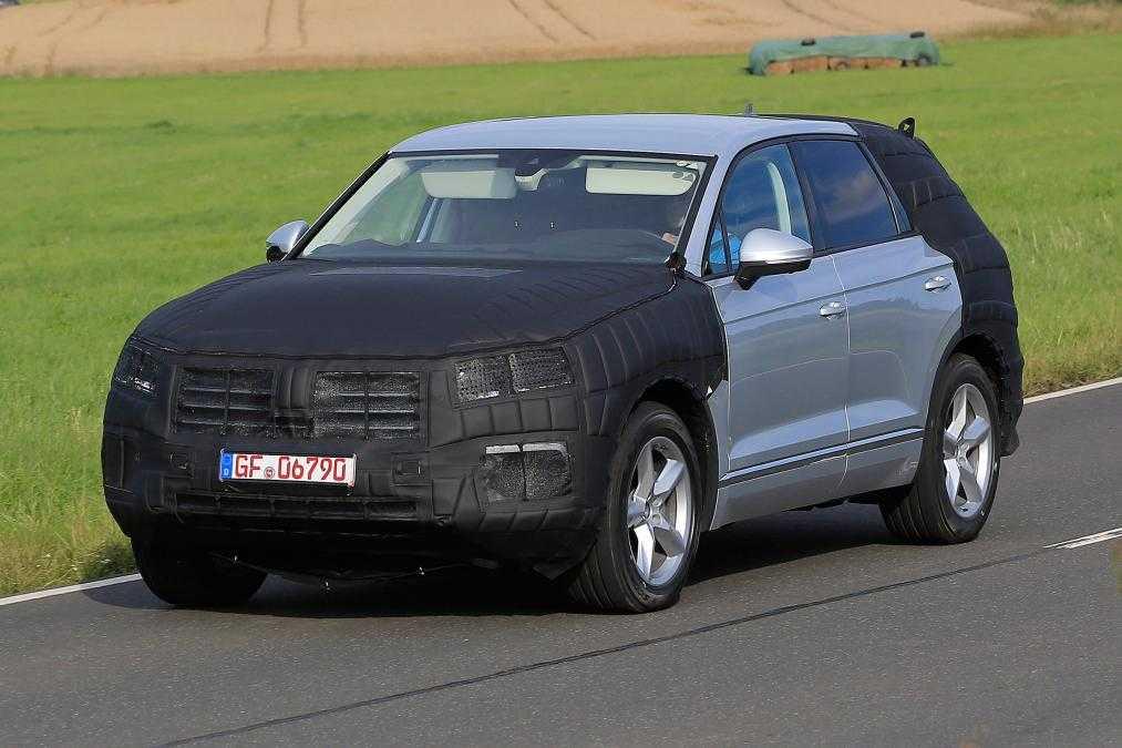 2017 Volkswagen Touareg Prototype Revealed In Spy Photos
