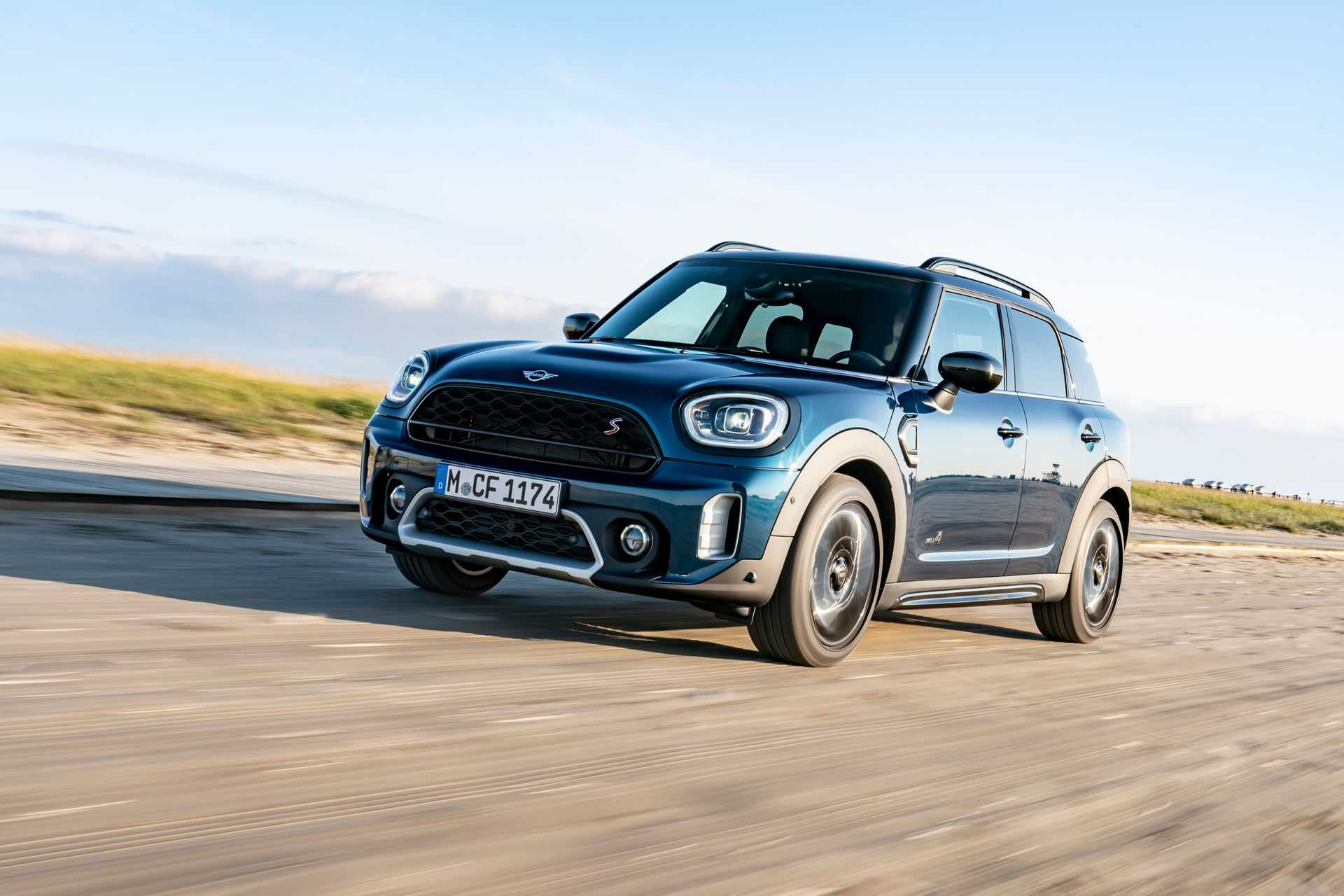2021 Mini Countryman Boardwalk is Simple Yet Improvised in Every Manner