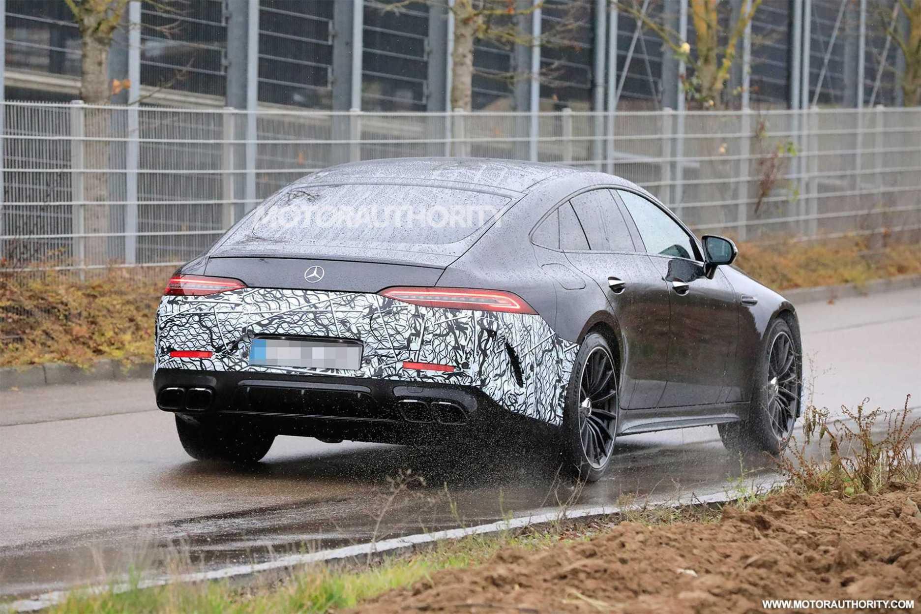 Mercedes Benz AMG spy shots