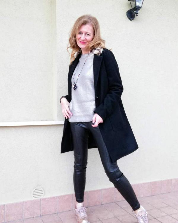 street style and black coat