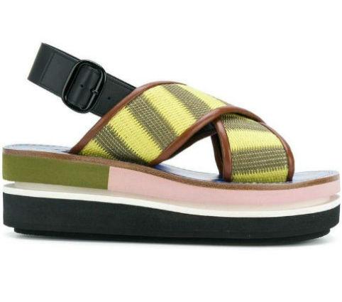 sandali con suola rinforzata e fasce colorate