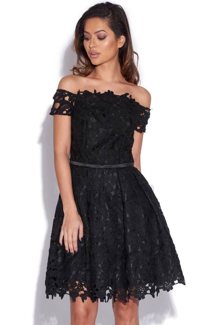 bonton lace dress on Vestry website, now at 23,00 Euros (it was 74,00)