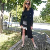 cardigan nero e gonna zebrata
