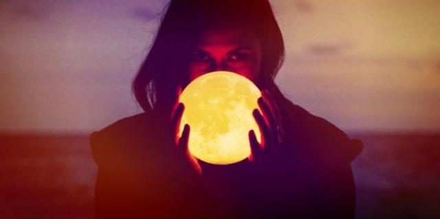 How The Full Moon Affects Zodiac Signs Personality Traits, Per Astrology