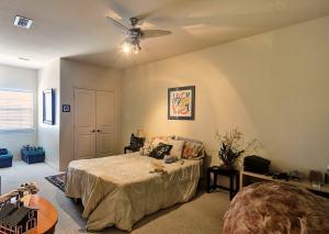 4411GlenwoodBedroom3-min