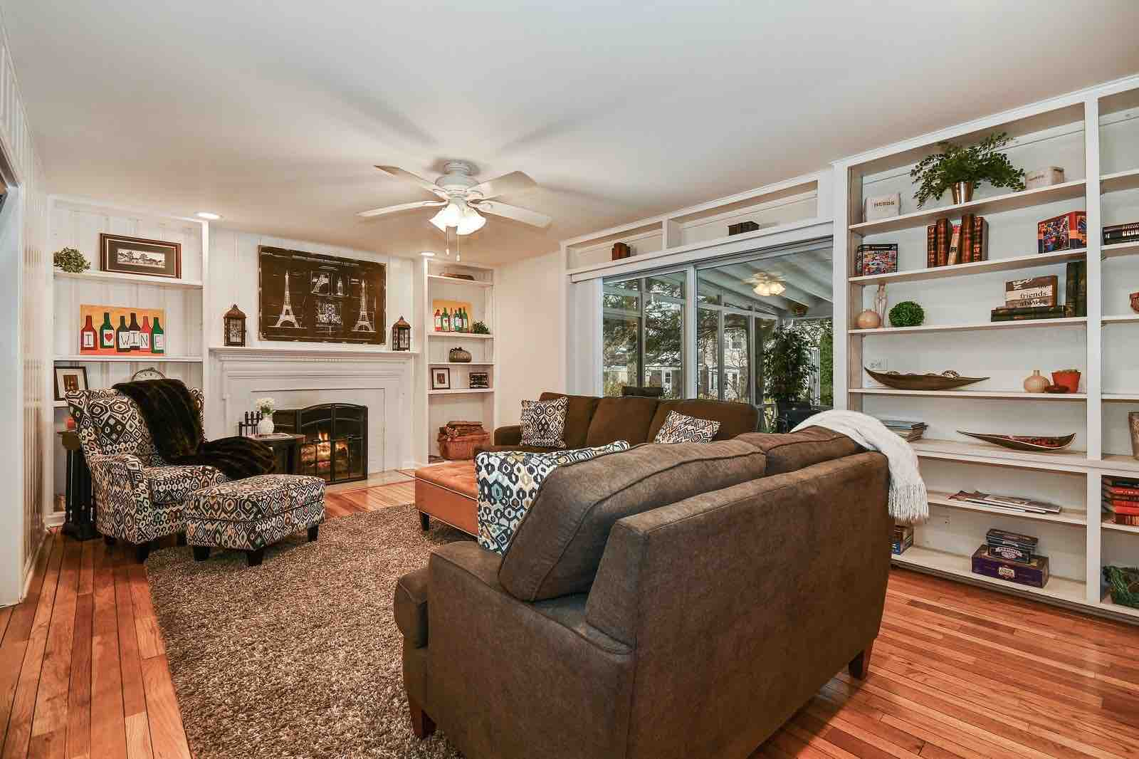 VHT_stagedtosell_familyroom_before