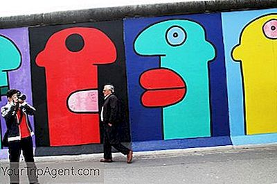 10 Murales Icnicos En El Muro De Berln  2019