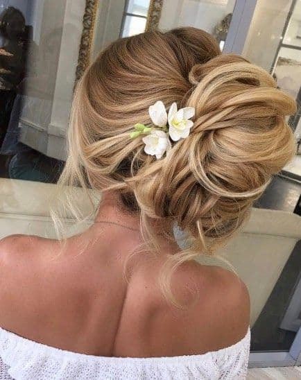 chignon floral up do