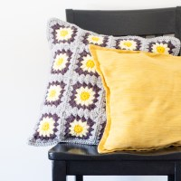 Daisy Granny Square Pillow - Free Crochet Pattern | You ...
