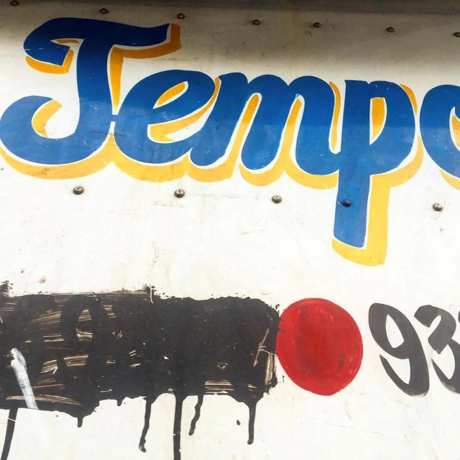 Tempo Service truck lettering
