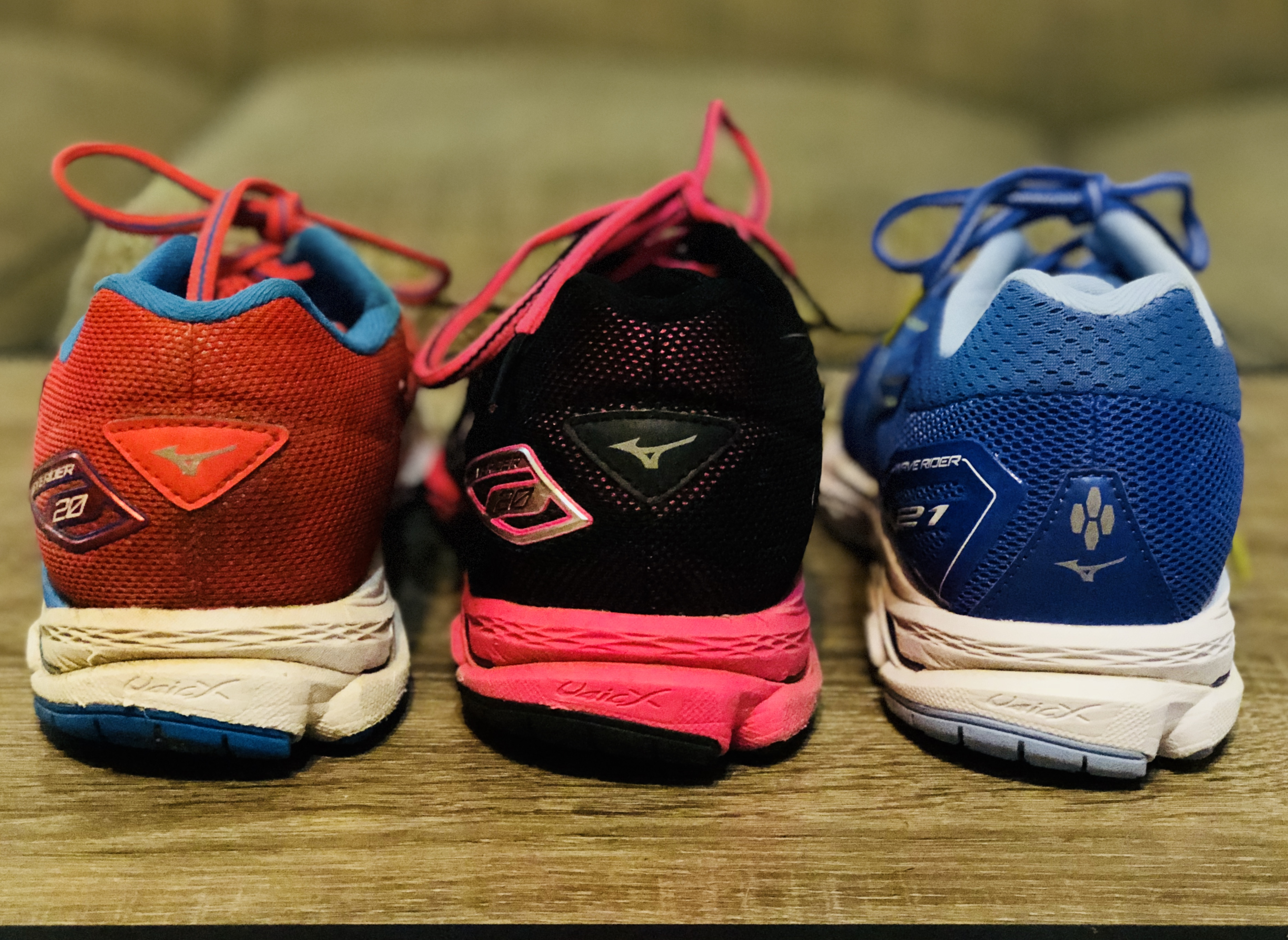 Mesh Running Shoes Make More Room In Toe Box