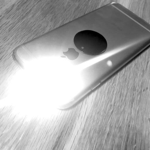 Utiliser le flash lumineux comme signal d'appel ou d'sms sur l'iPhone ou l'iPad