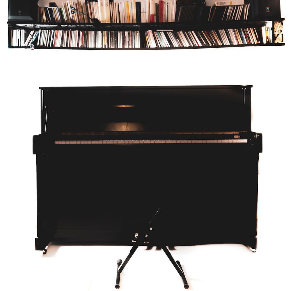 Apprendre le Piano Tuto N°6:  La gamme de FA mineur blues MOTIF N°1