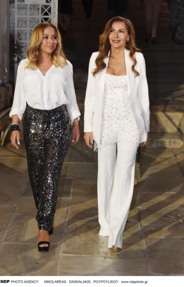 Δέσποινα Βανδή: Φόρεσε το λευκό κοστούμι καλύτερα από όλες! Τα βλέμματα πάνω της...