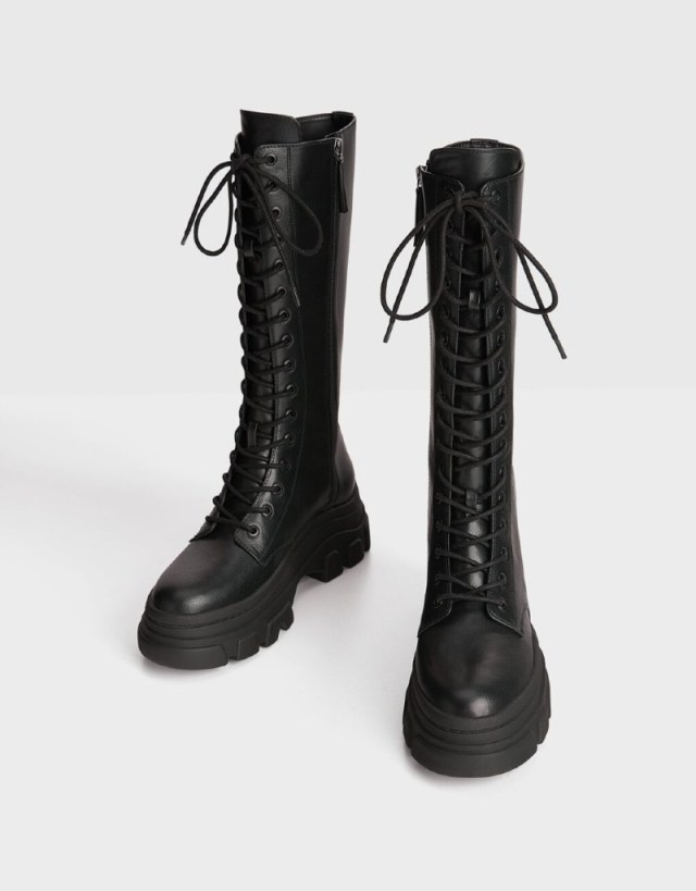 Ζετα Μακρυπούλια τρακτερωτές μπότες Bershka