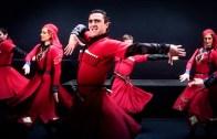 Çeçen Dansçı Sahnede Hayatını Kaybetti