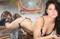 Amanda Cerny'den Seksi Video