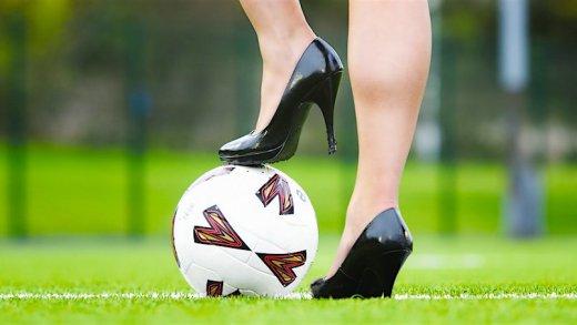 yetenekli futbolcu kızlar video