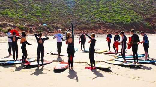 sirk hocalarının sörf eğitimi