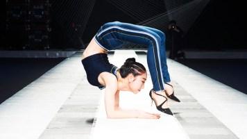 Çinli Kız 20 Metre Öne Taklada Rekoru Kırıyor!