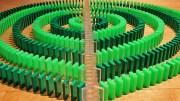 Domino Taşları Yıl Başı İçin Devriliyor